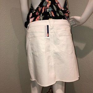 Vineyard Vines Skirts - New w/ tags Vineyard Vines White Denim Skirt SZ 10